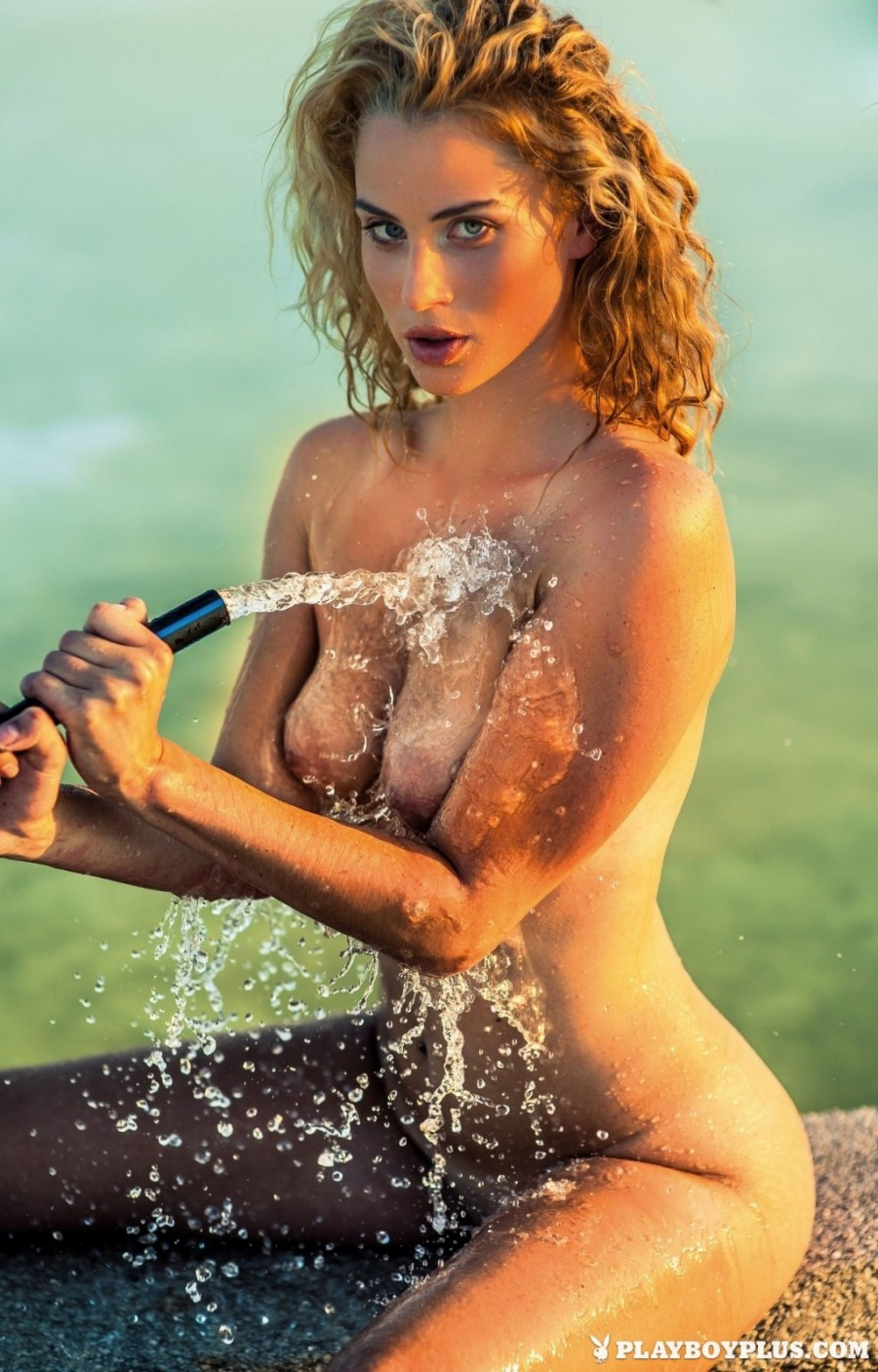 Wet wild times with a hot blonde