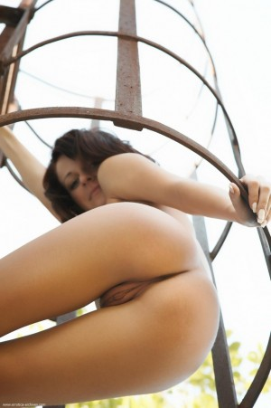 Naughty babe uses a fire-escape.