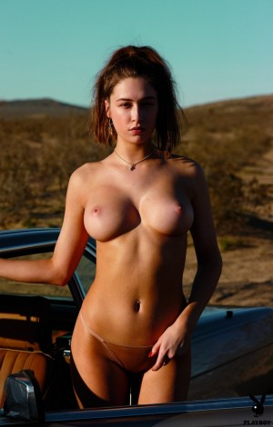 Elsie Hewitt gets rid of her clothes to catch a car