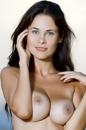 Martina Magnificent Girl With Hot Breasts