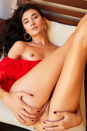 Sweet Cutie Bambi Joli Spreads Her Long Legs