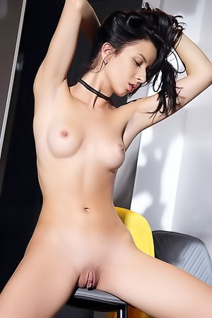 Ukrainian Teen Aurelia Perez Shows Nude Beautiful Breasts And Shaved Pussy