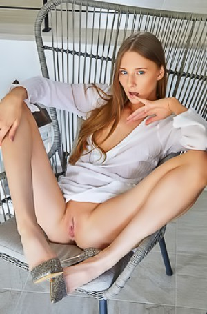 Sexy Teen Nimfa Not Wearing Panties